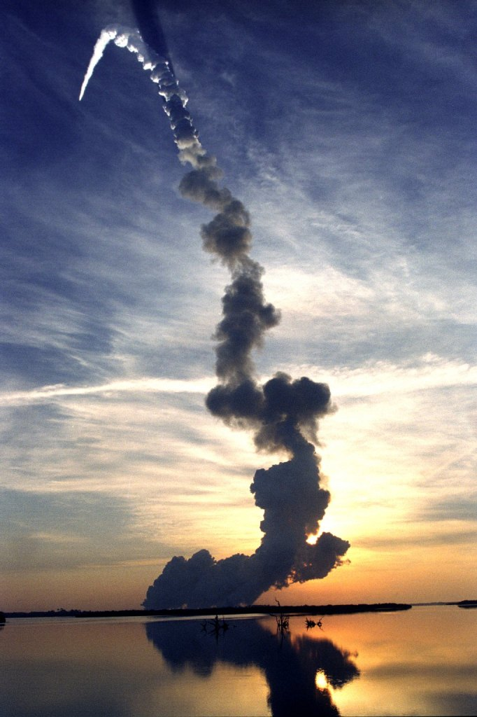 Every Picture Tells A Story: Interstellar Cloud Trail in 1999