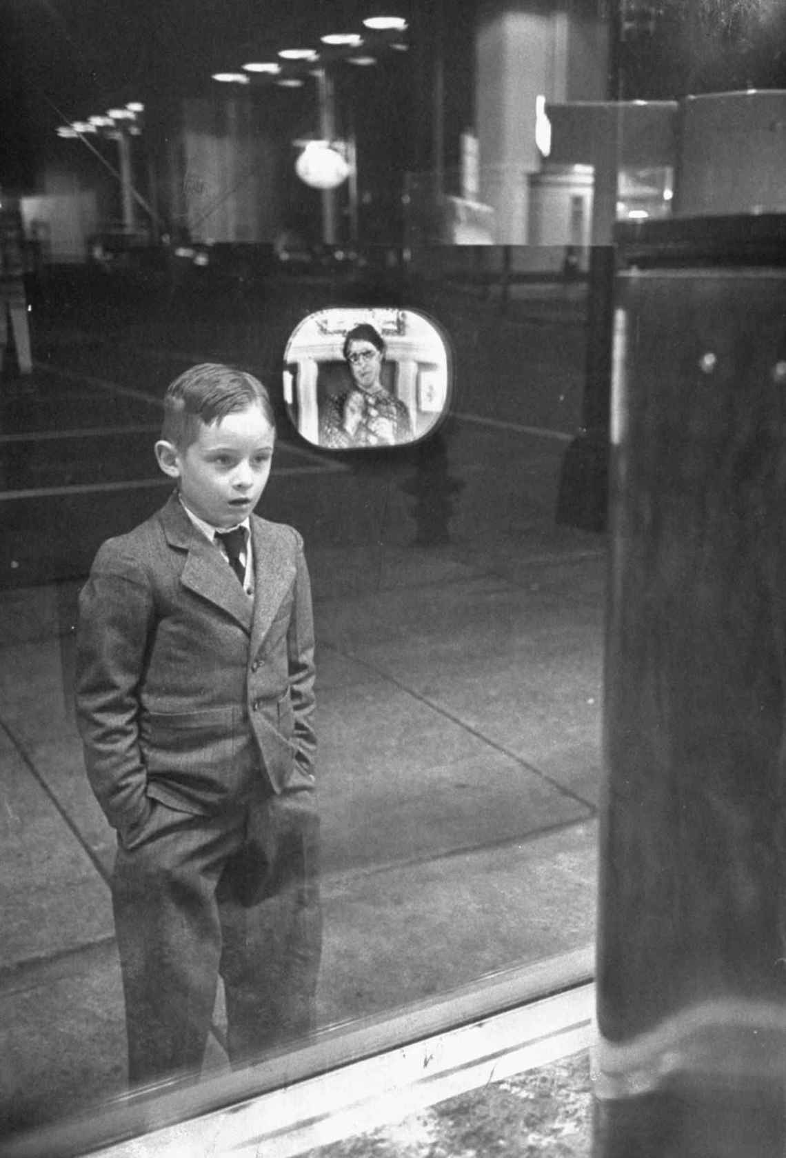 Every Picture Tells A Story: Child Sees Television for the First Time