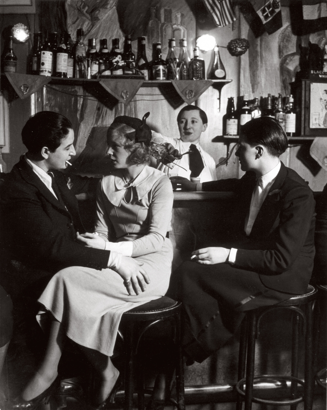 Every Picture Tells A Story: Le Monocle of Montmartre during the roaring 20's
